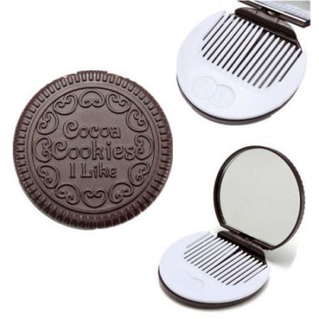 Csokis Keksz Süti Tükör Fésű Smink Pipere